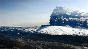 An epic vision of the 2010 Icelandic Volcano.